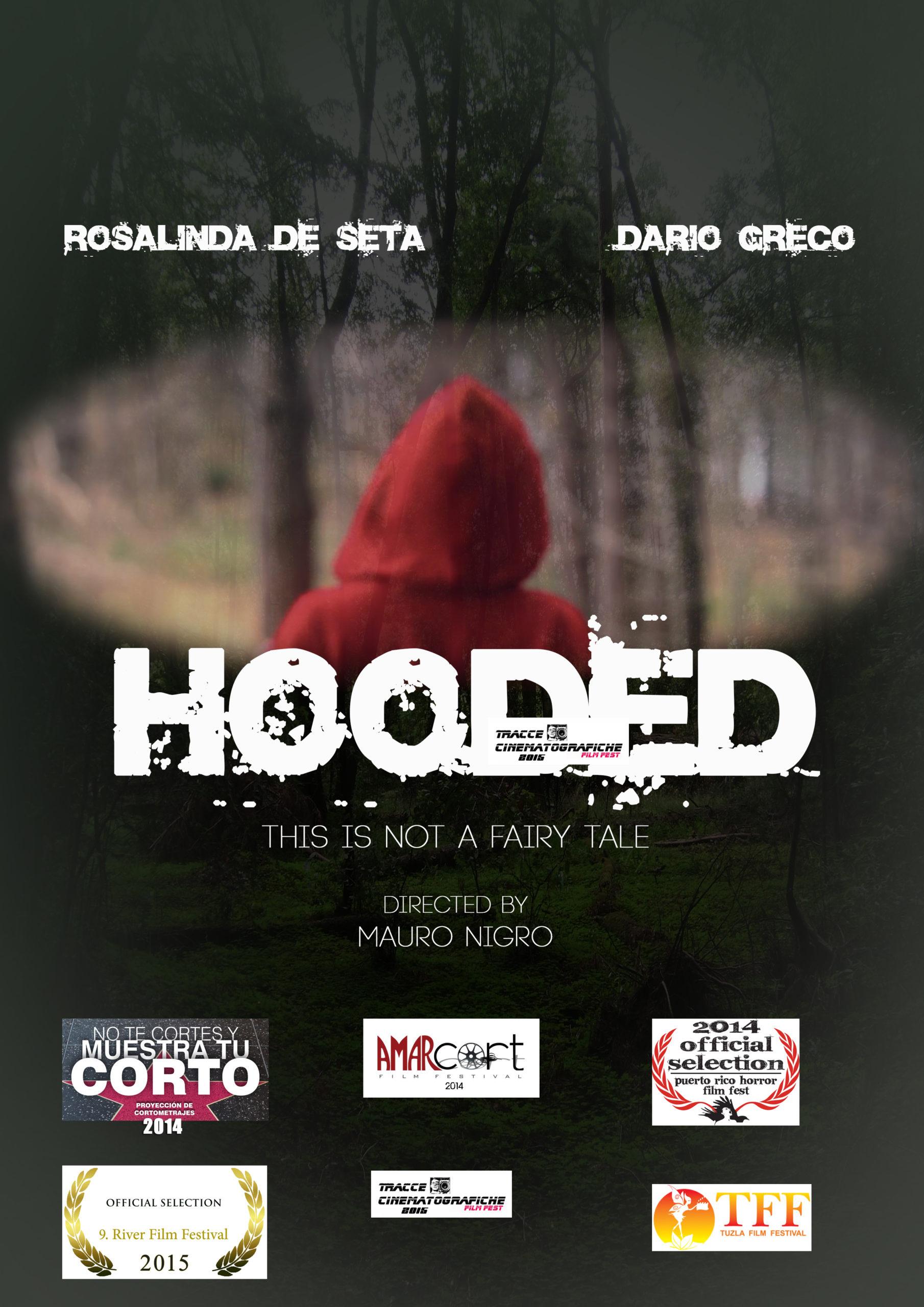 HOODED_LOCANDINA